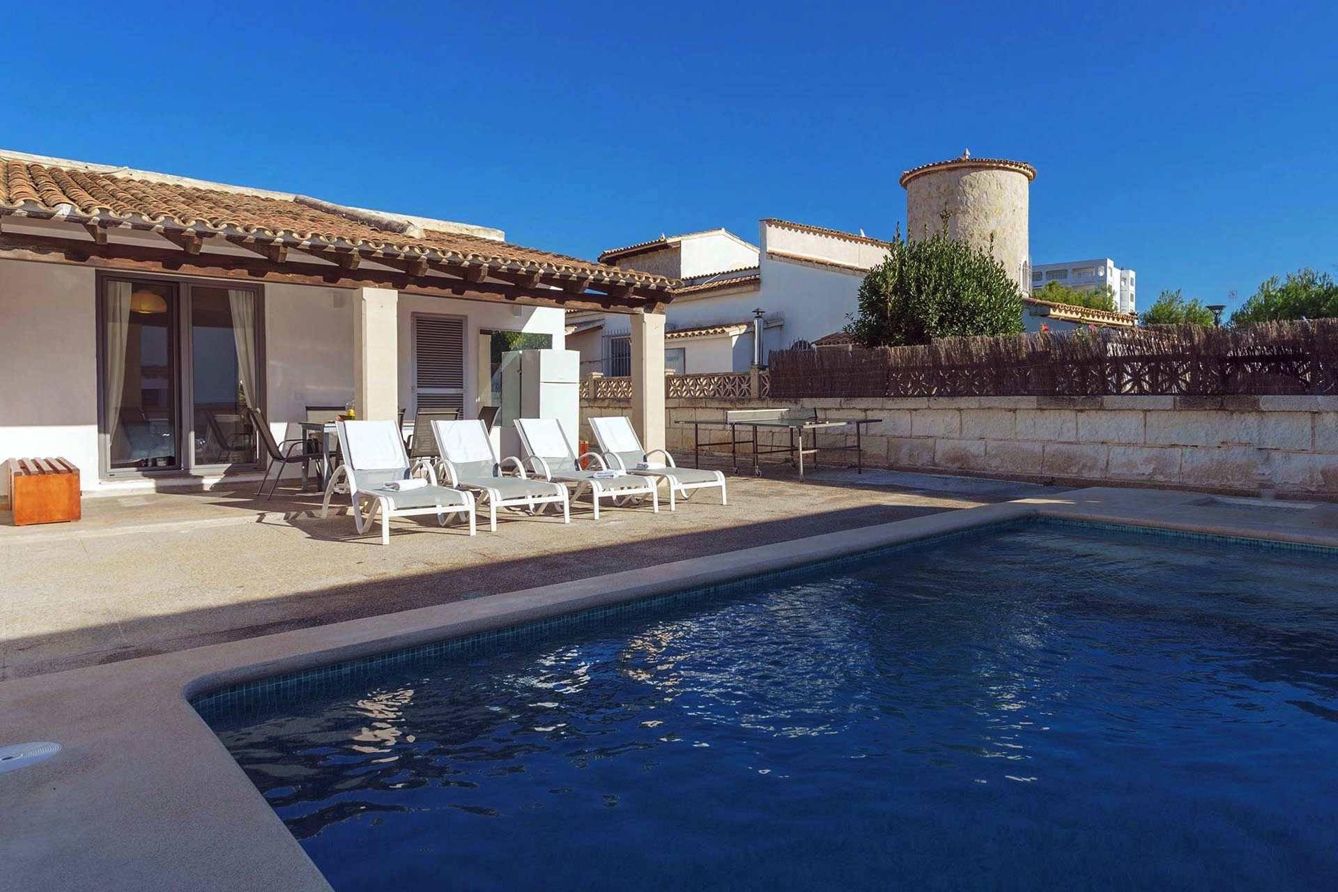 01-283 freundliches Chalet Mallorca Norden Bild 1