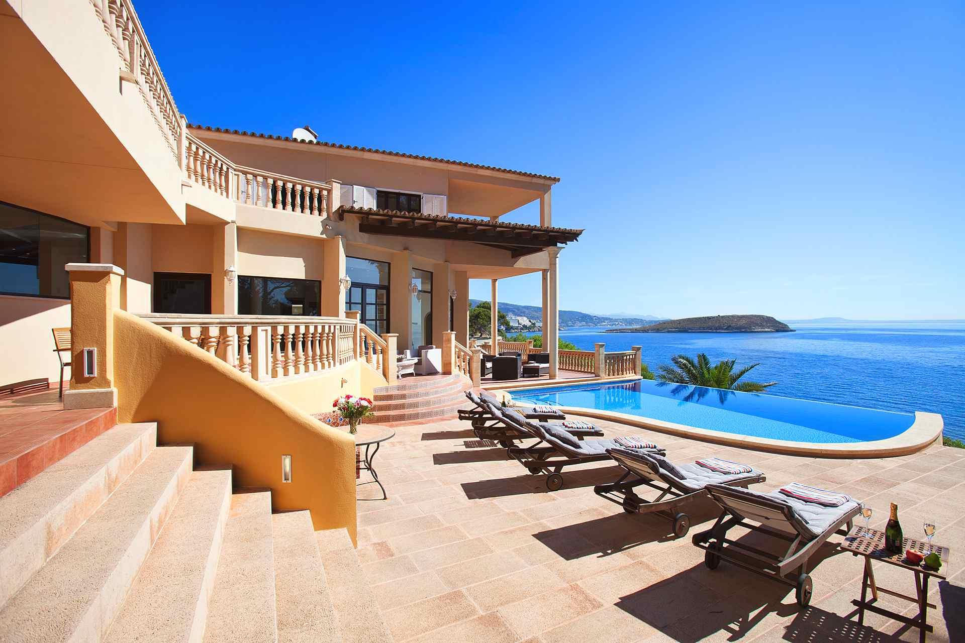 01-23 Villa Mallorca Südwesten mit Meerblick Bild 1