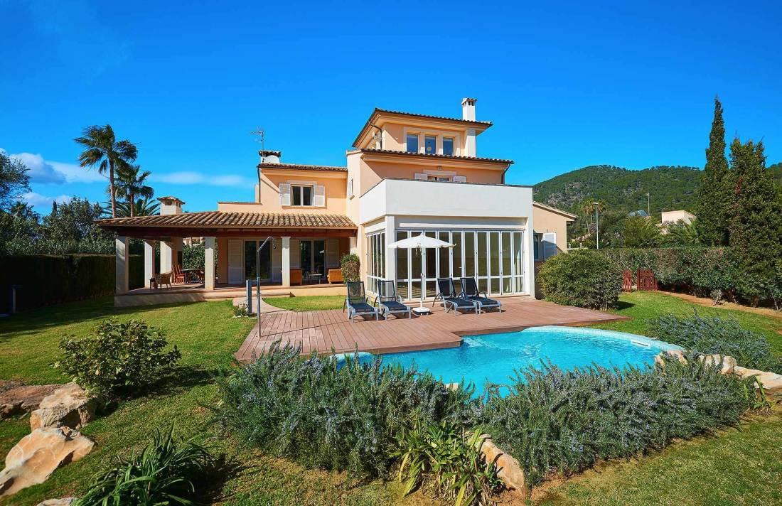 01-49 luxuriöses Chalet Nordosten Mallorca Bild 1
