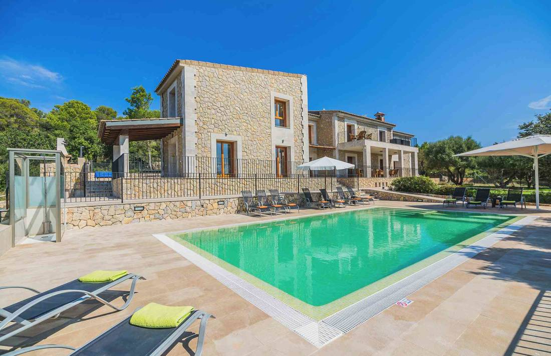 01-155 exklusive Luxus Villa Norden Mallorca Bild 1