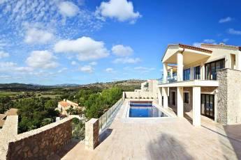 01-328 Villa mit Ausblick Nordosten Mallorca