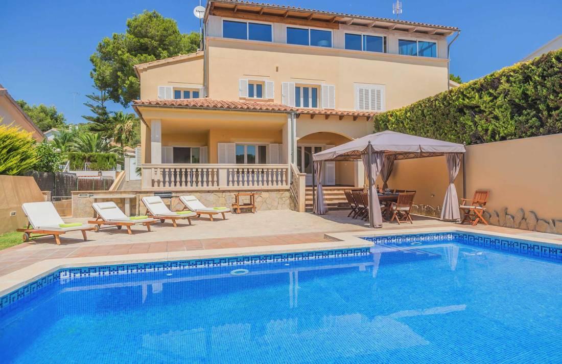 01-298 Golfplatz Chalet Mallorca Norden Bild 1
