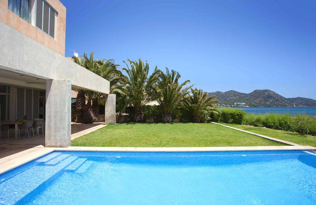 01-312 Beach Chalet Northeast Mallorca Bild 1