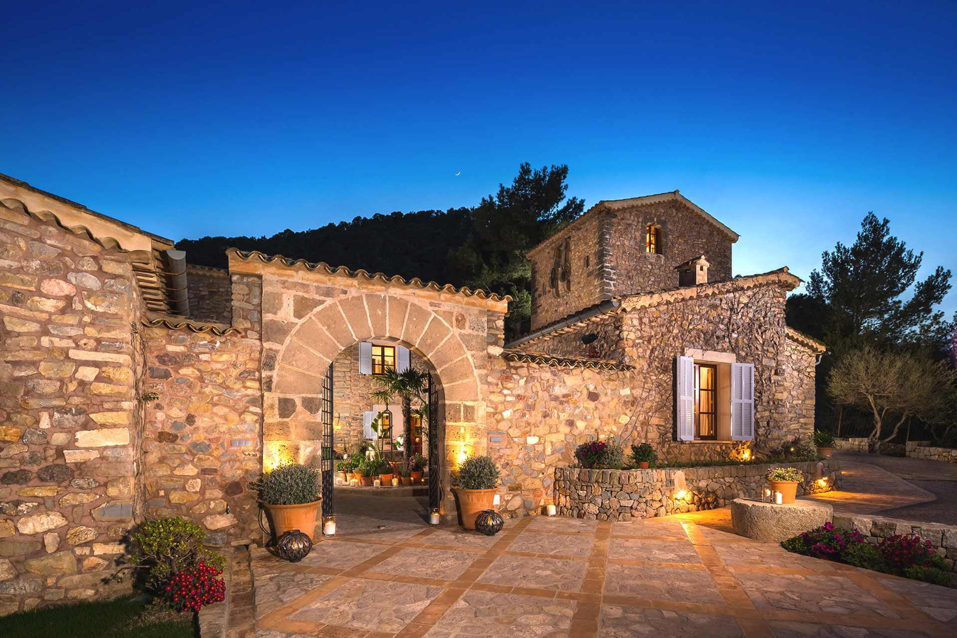 01-334 Luxus Finca Mallorca Westen Bild 1