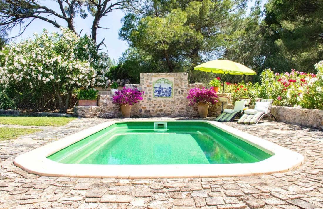 01-322 Villa auf Pferdegestüt Mallorca Osten Bild 1