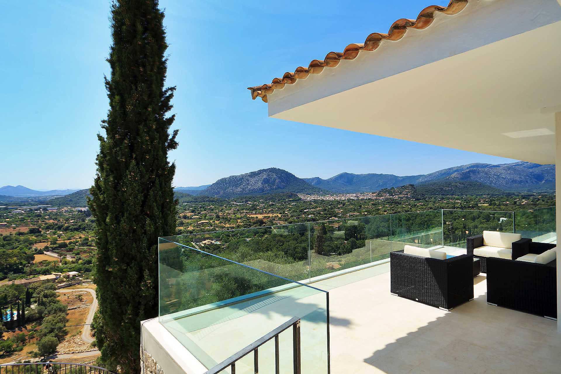 Design villa mallorca norden in pollenca luxus for Mallorca villa mieten