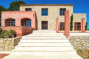 01-luxus-Finca-Mallorca-modern-Ferienhaus
