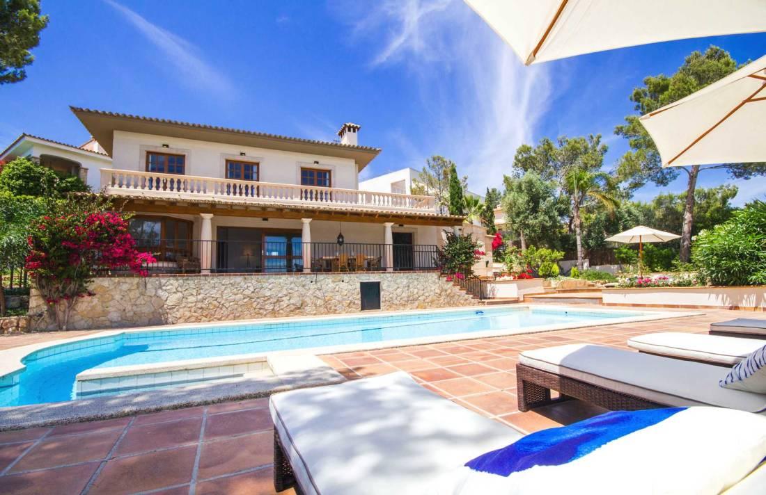 01-305 romantische Villa Südwesten Mallorca Bild 1