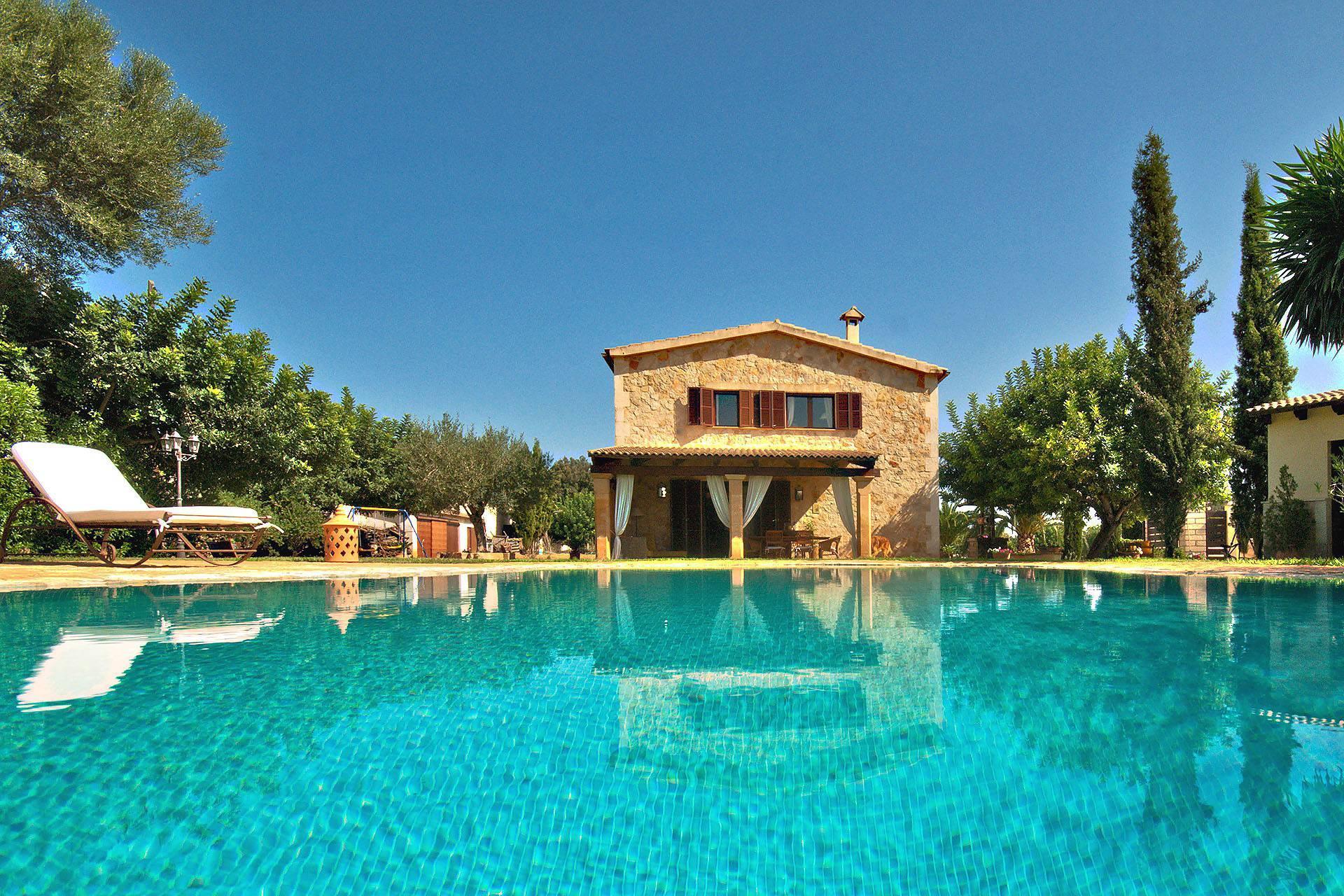 Klassische finca mallorca norden in inca luxus for Mallorca ferienhaus mieten