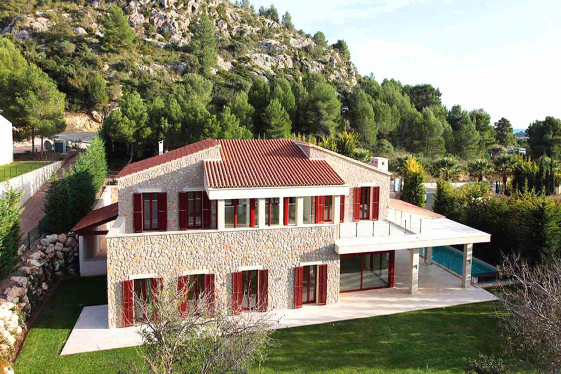 01-329 exklusive Villa Mallorca Nordosten Bild 1