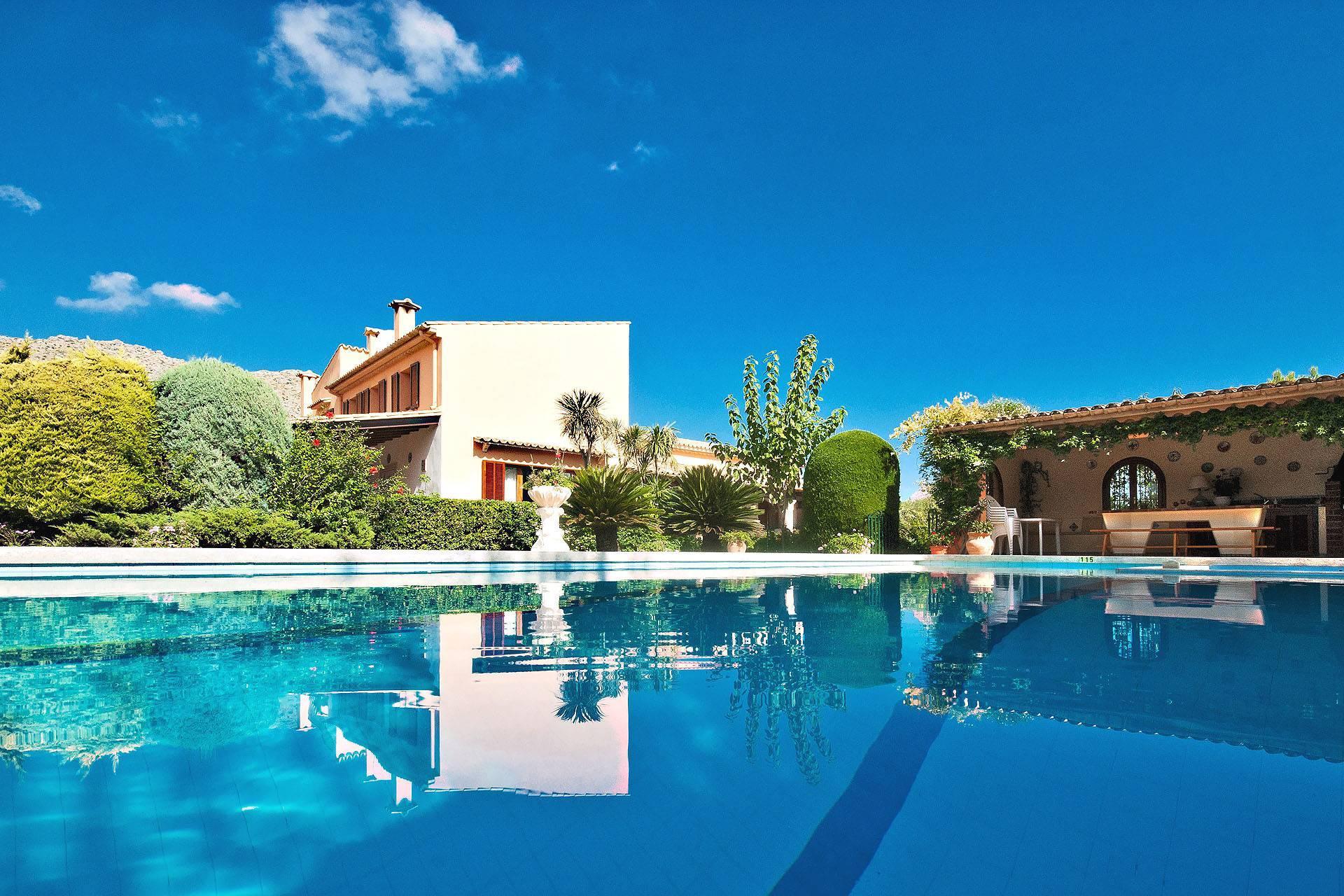 01-212 Große Finca Mallorca Norden Bild 1