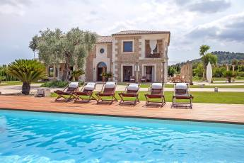 01-Selva-Mallorca-Ferienhaus-mieten-luxus-Pool