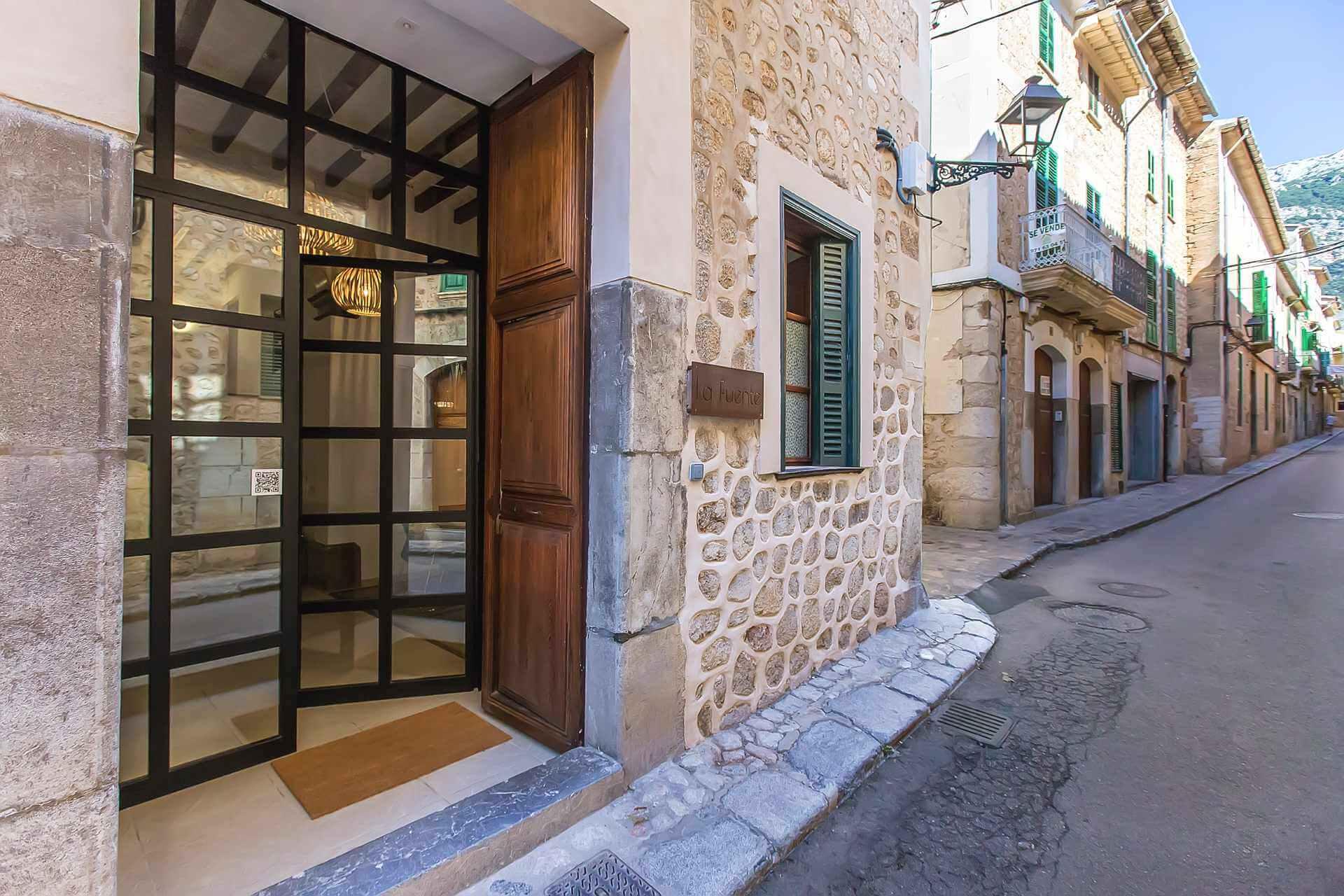 01-325  Luxury Townhouse Mallorca West Bild 1