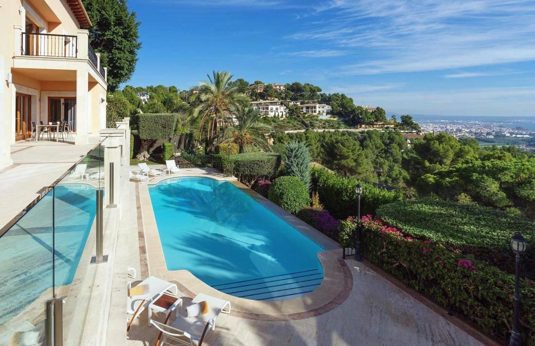 01-280 großzügige Villa nahe Palma de Mallorca Bild 1