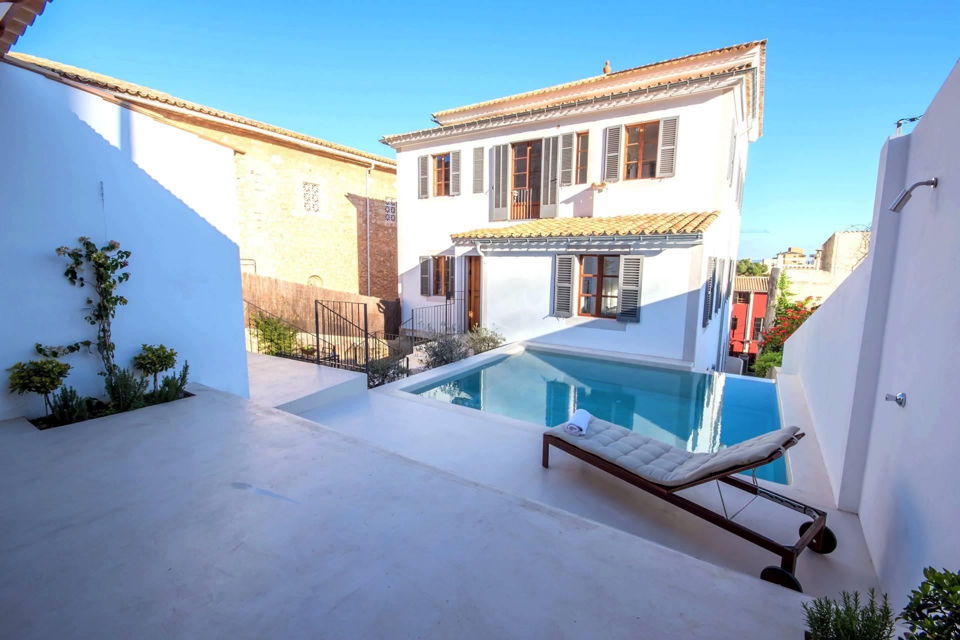 01-257 Luxus Ferienhaus Mallorca Südwesten Bild 1