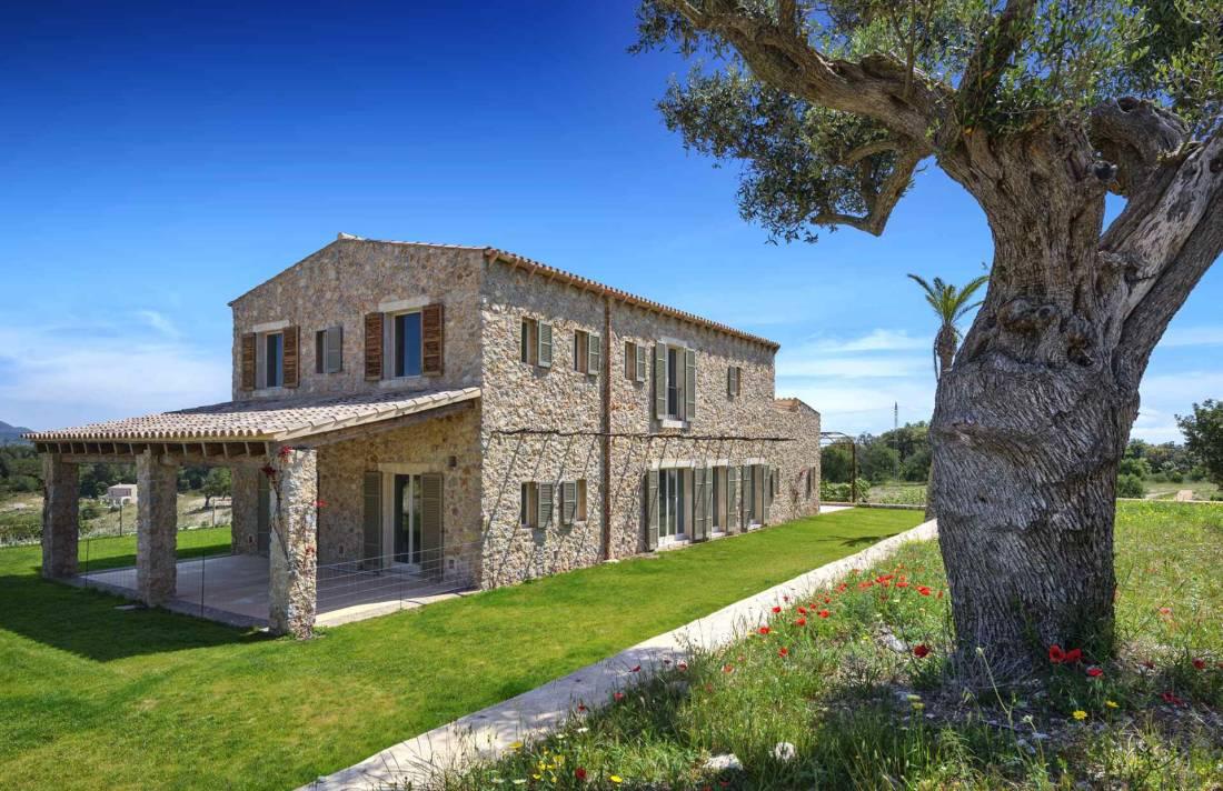 01-306 topmoderne Finca Mallorca Nordosten Bild 1