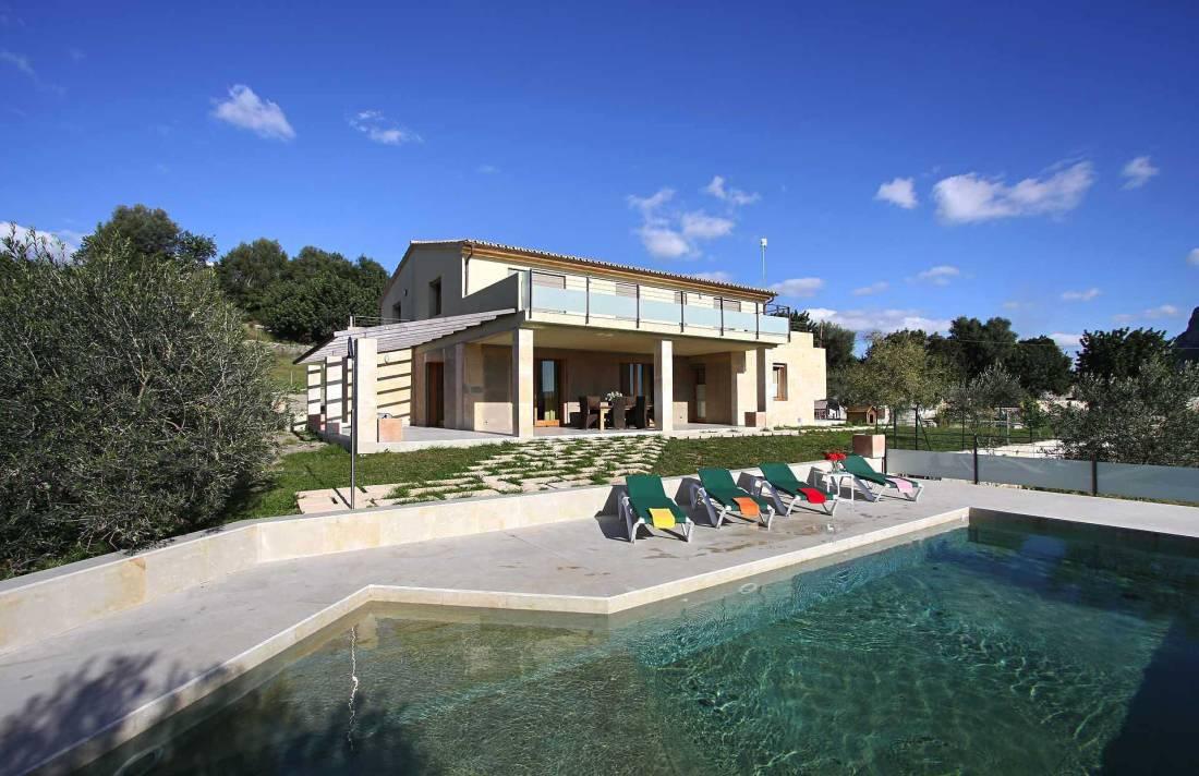 01-36 classic Villa Mallorca north Bild 1