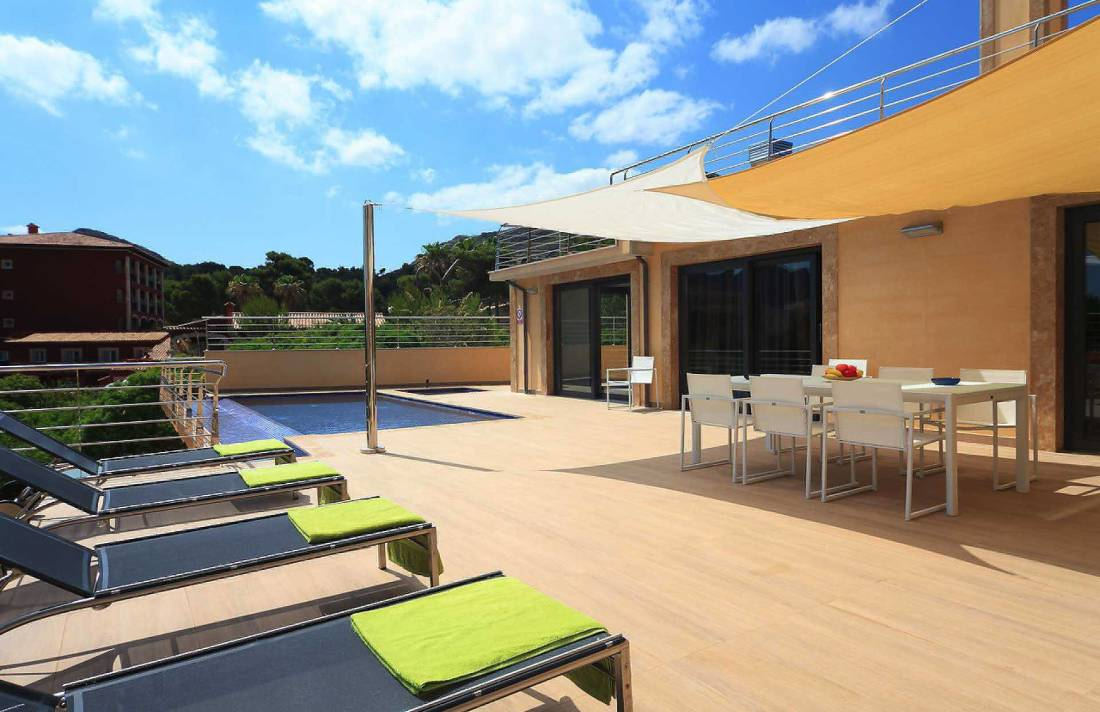01-35 Villa Mallorca Norden mit Pool Bild 2