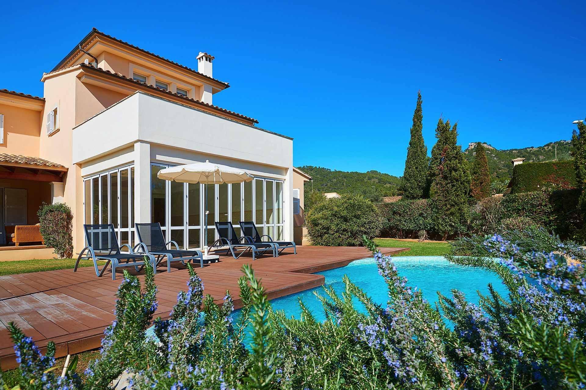 01-49 luxuriöses Chalet Nordosten Mallorca Bild 2