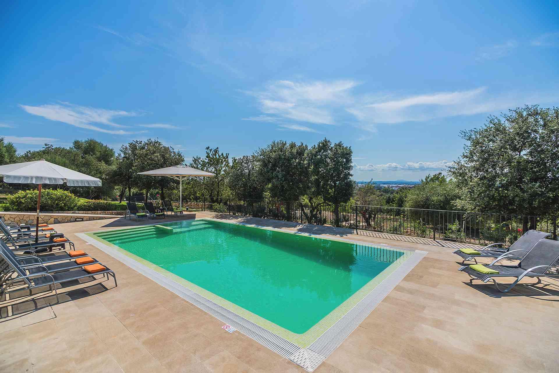 01-155 exklusive Luxus Villa Norden Mallorca Bild 2