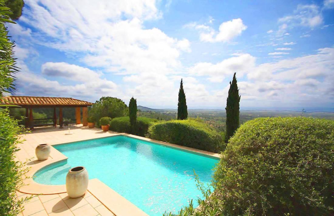 01-98 Extravagantes Ferienhaus Mallorca Osten Bild 2