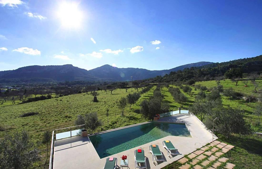 01-36 klassische Villa Mallorca Norden Bild 2