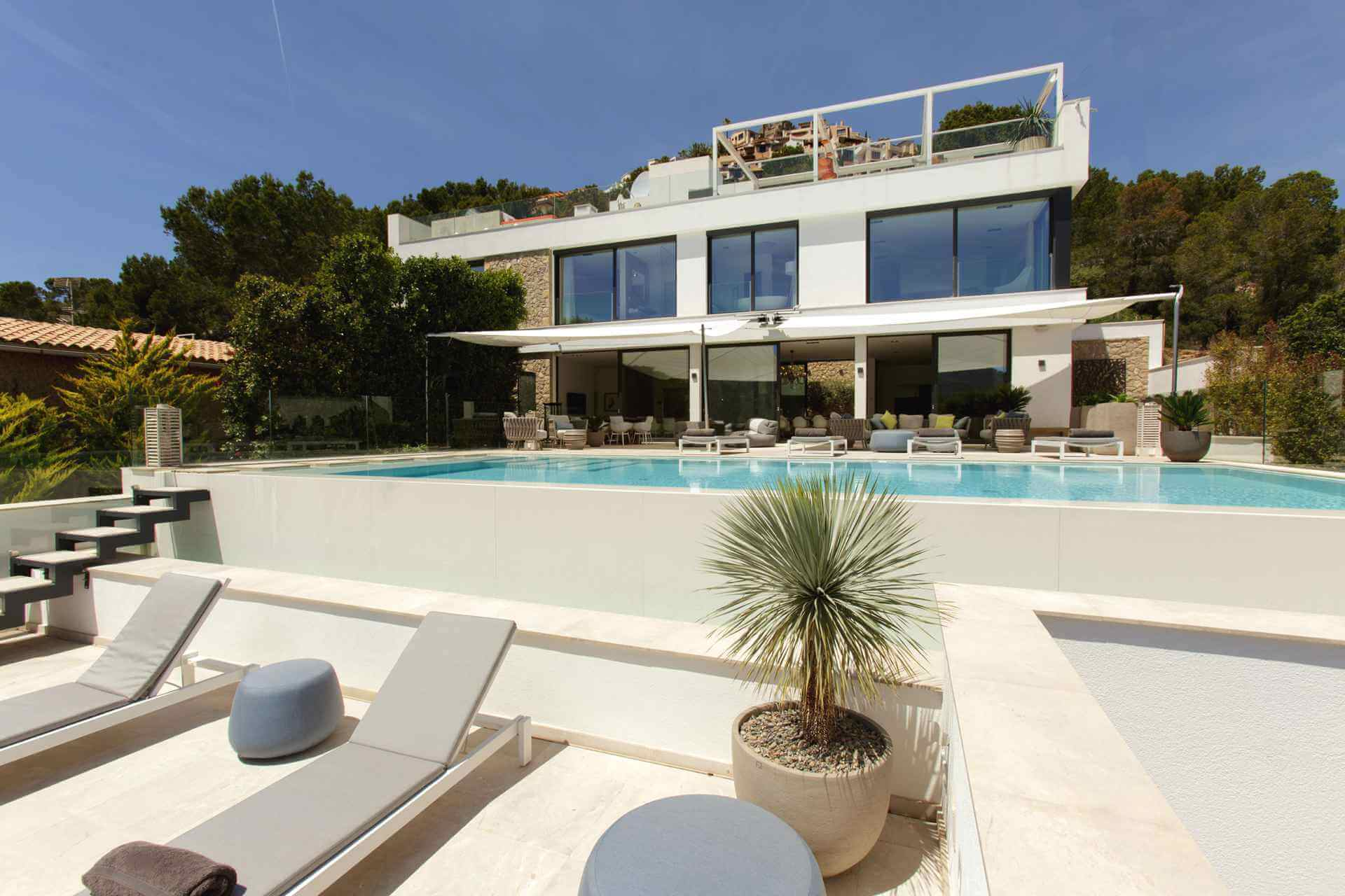 01-353 Villa with indoor pool Mallorca Southwest Bild 2