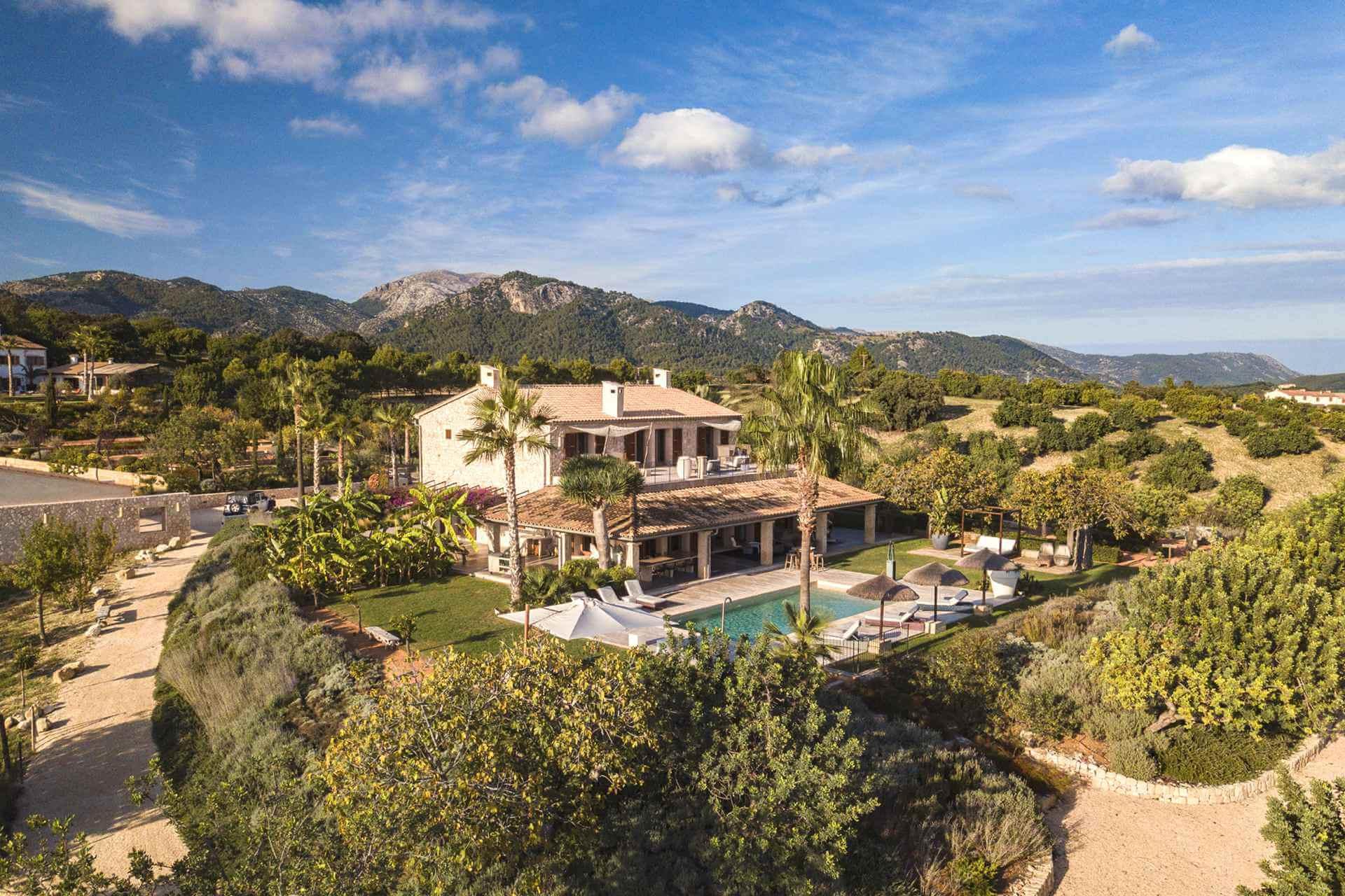 01-354 Luxus Design Finca Mallorca Zentrum Bild 2