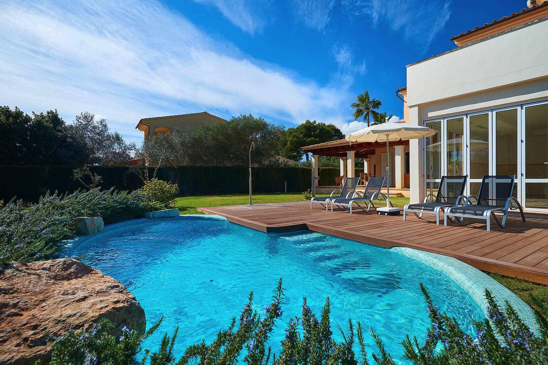 01-49 luxuriöses Chalet Nordosten Mallorca Bild 3