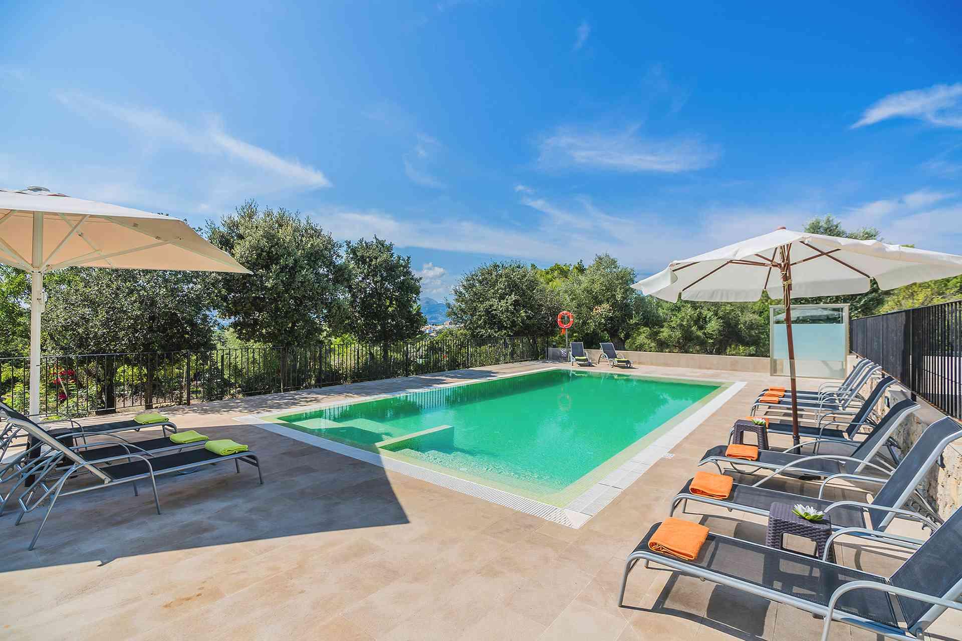 01-155 exklusive Luxus Villa Norden Mallorca Bild 3