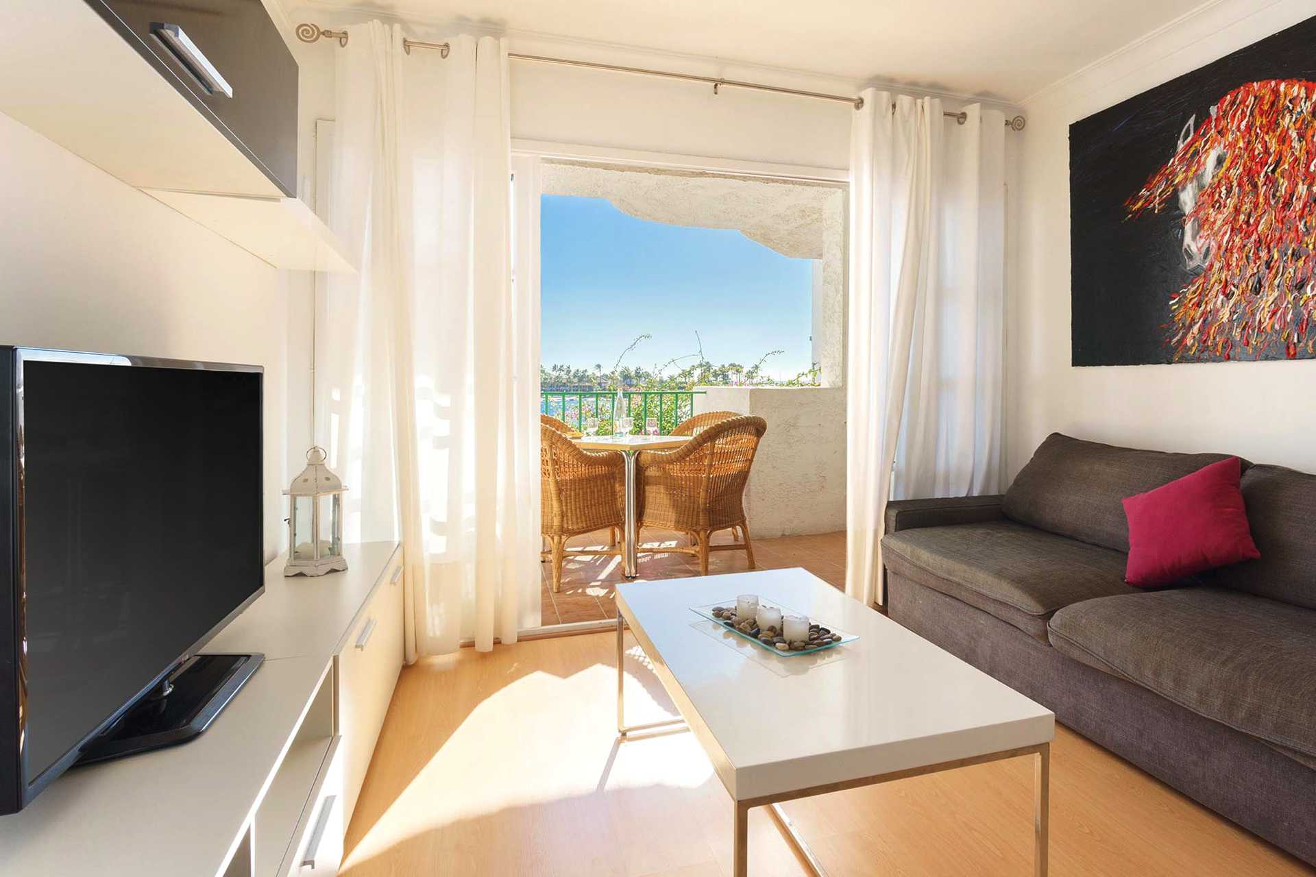 01-292 beachfront apartment Alcudia north Bild 3