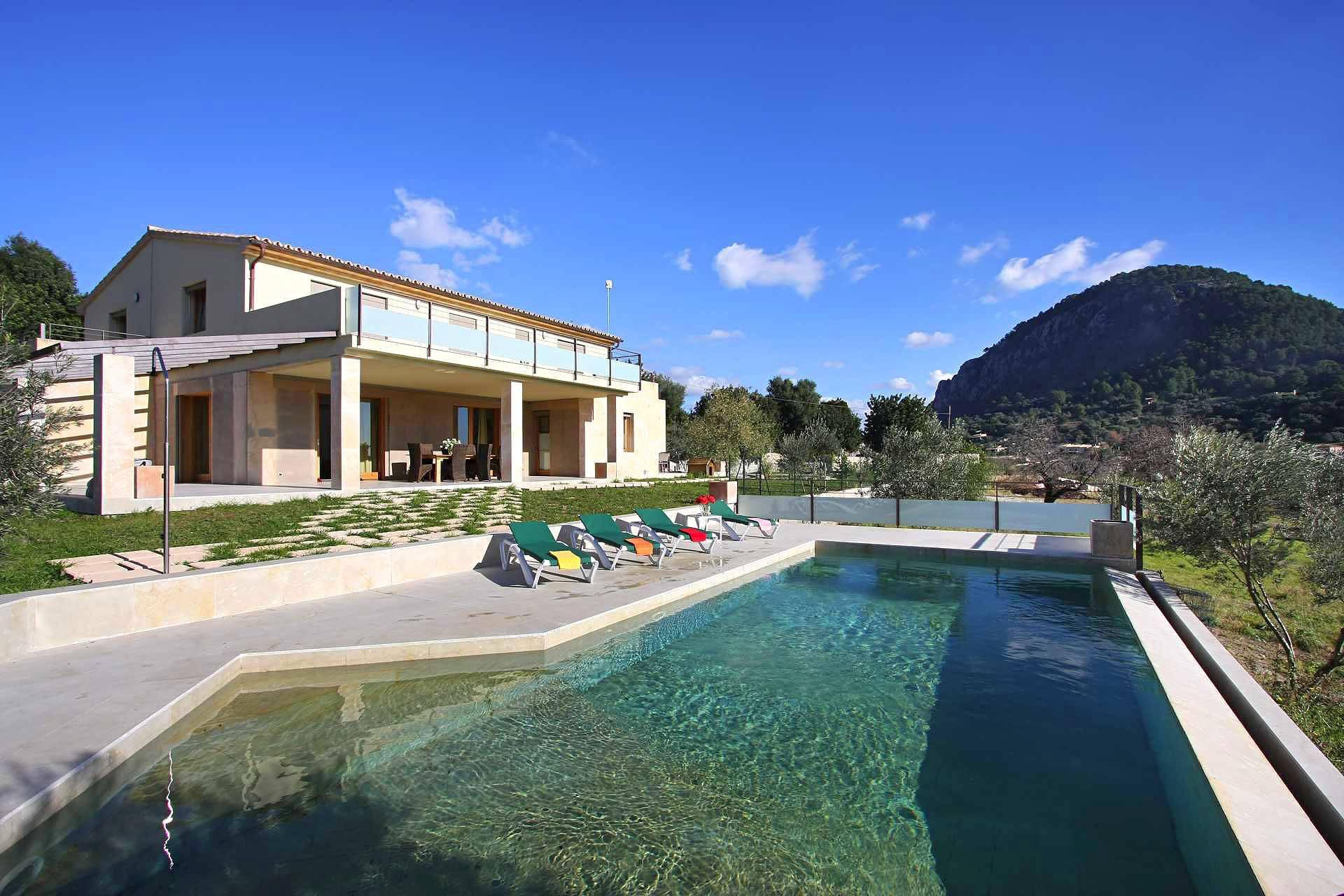 01-36 klassische Villa Mallorca Norden Bild 3