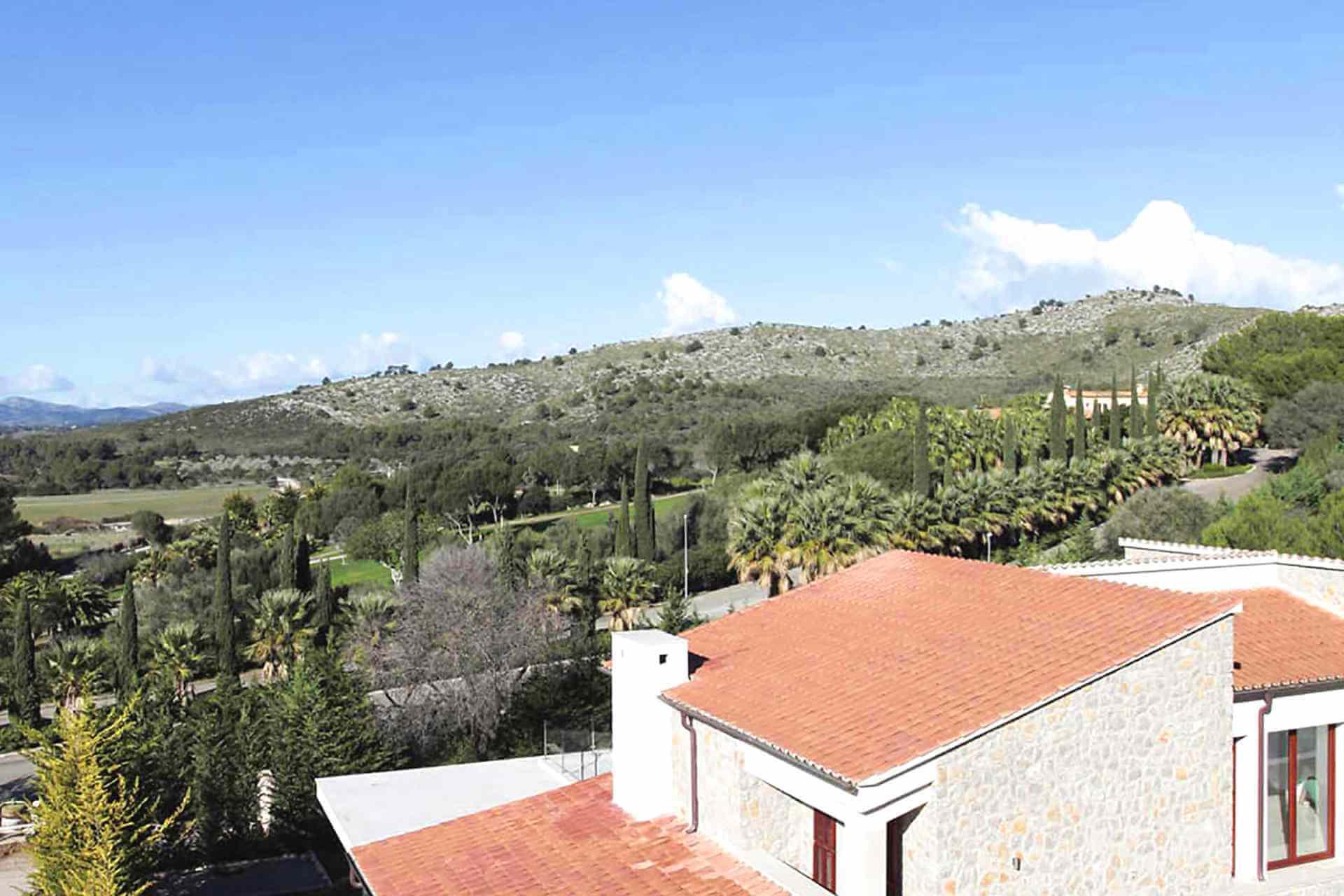 01-329 exklusive Villa Mallorca Nordosten Bild 3
