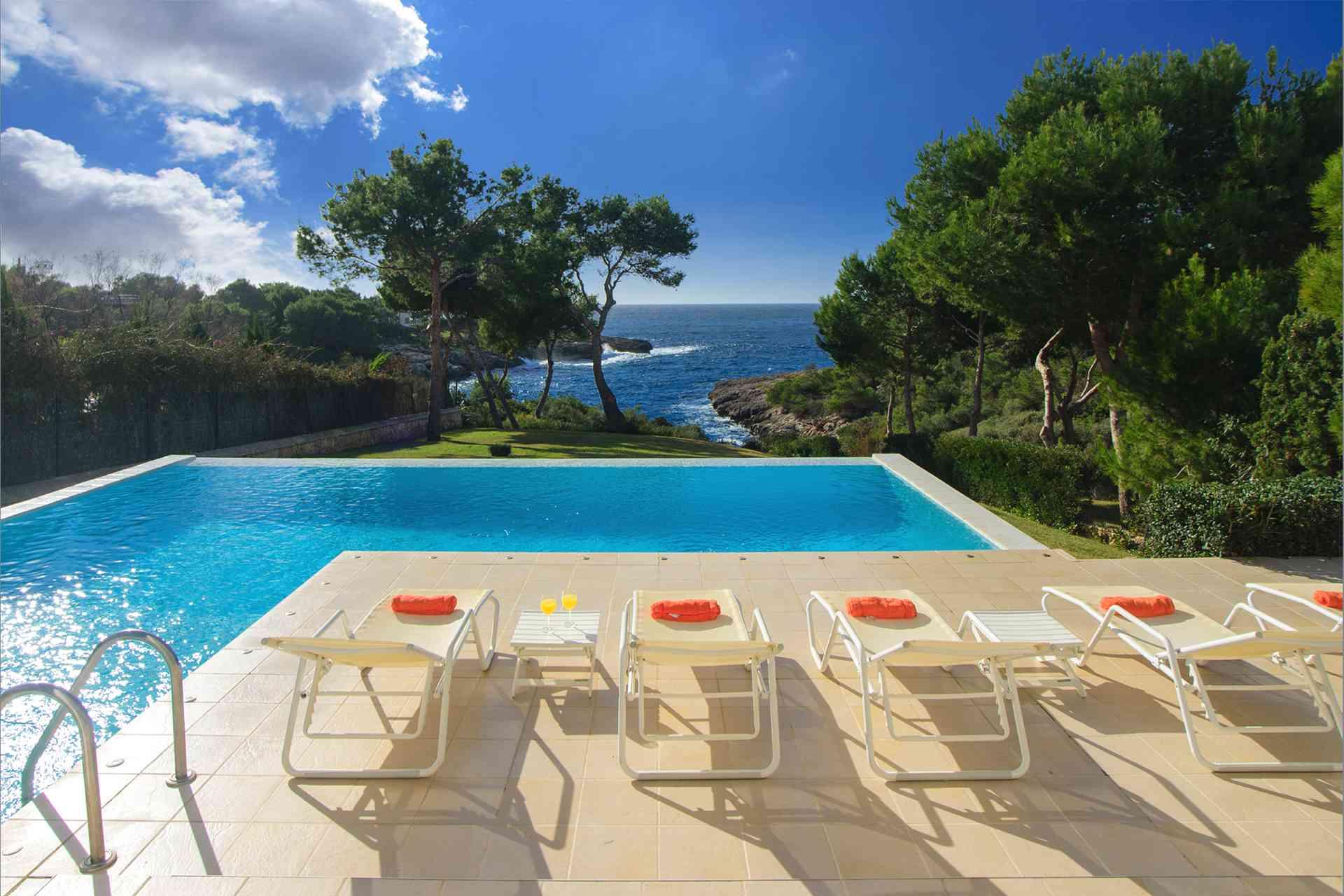 01-156 moderne Meerblick Villa Mallorca Osten Bild 3