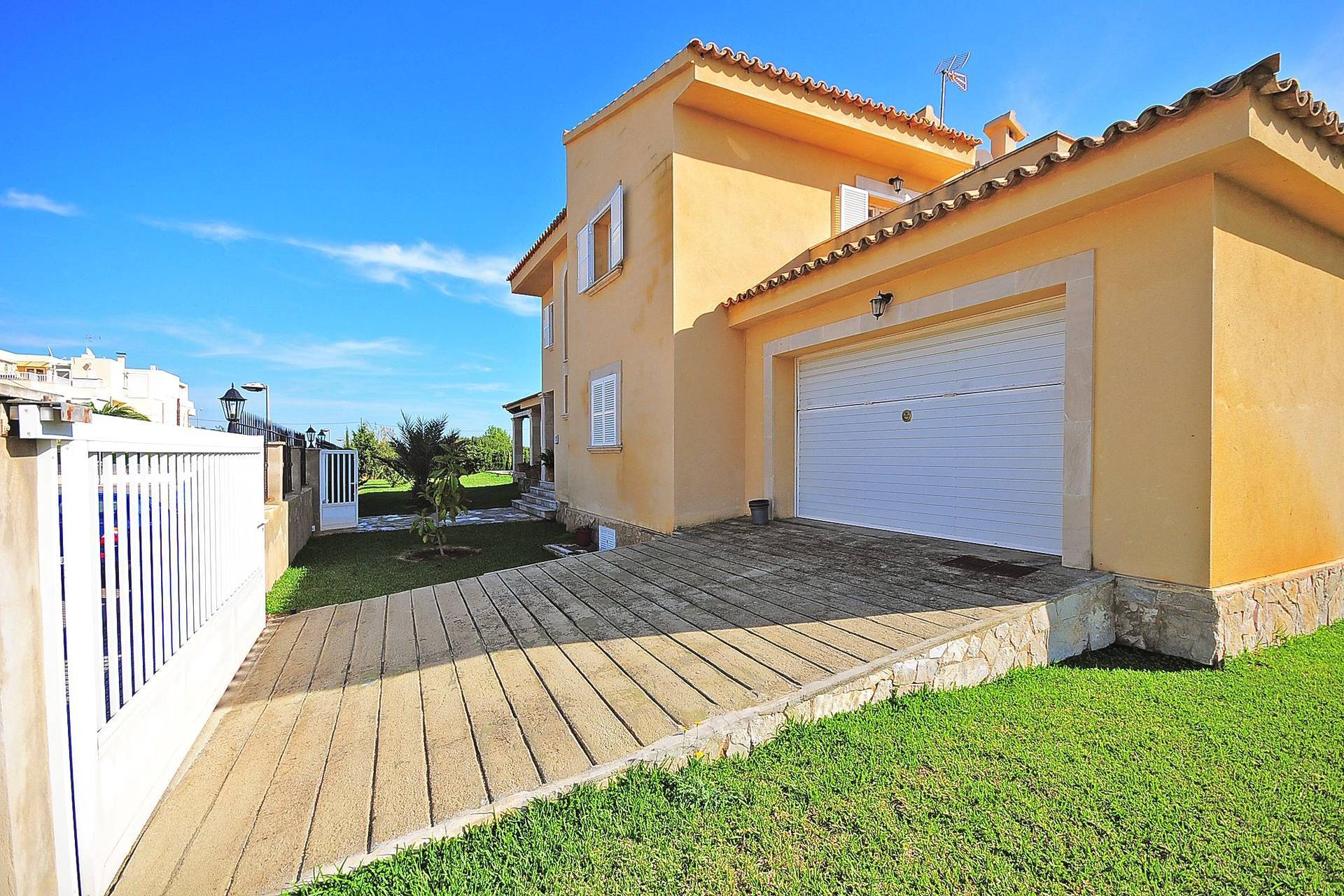 01-233 Ferienhaus am Strand Mallorca Norden Bild 3