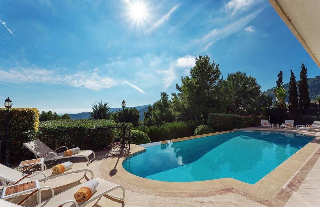 01-280 großzügige Villa nahe Palma de Mallorca Bild 3