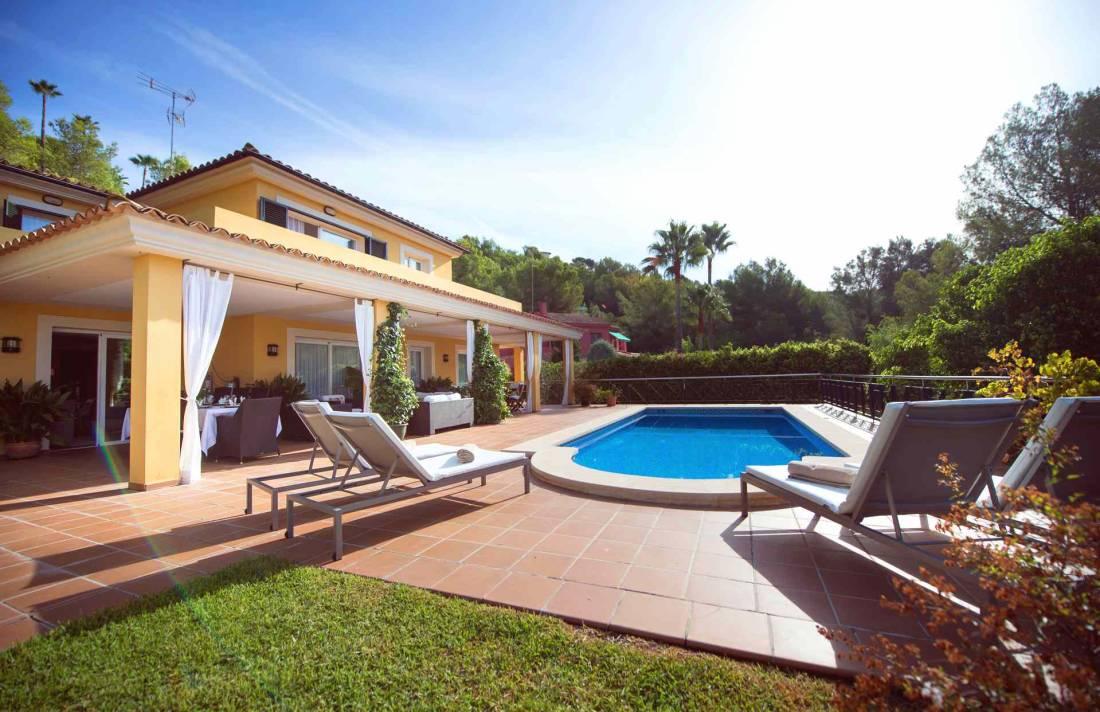 golfplatz villa s dwesten mallorca in bendinat luxus feriendomizile. Black Bedroom Furniture Sets. Home Design Ideas