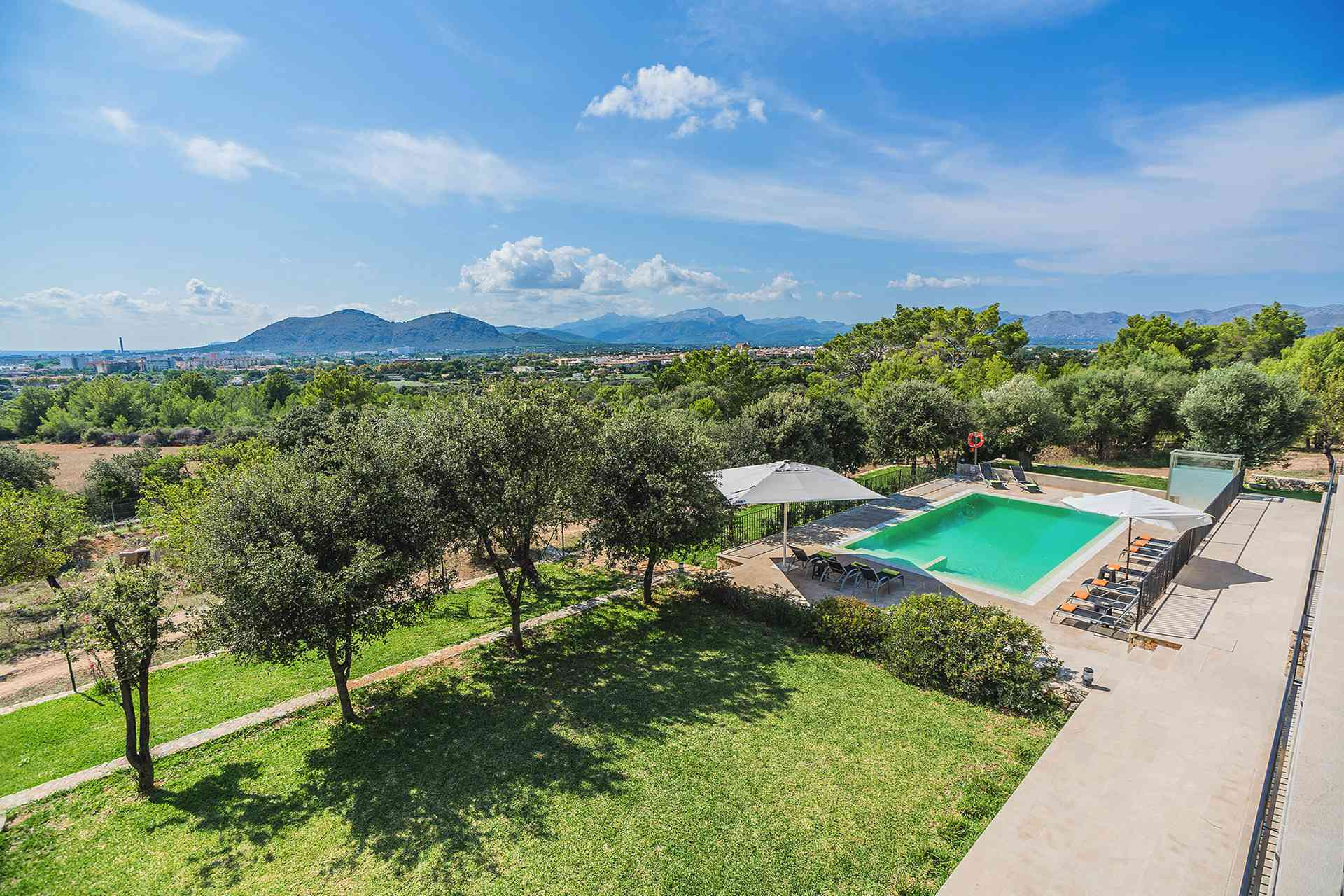 01-155 exklusive Luxus Villa Norden Mallorca Bild 4