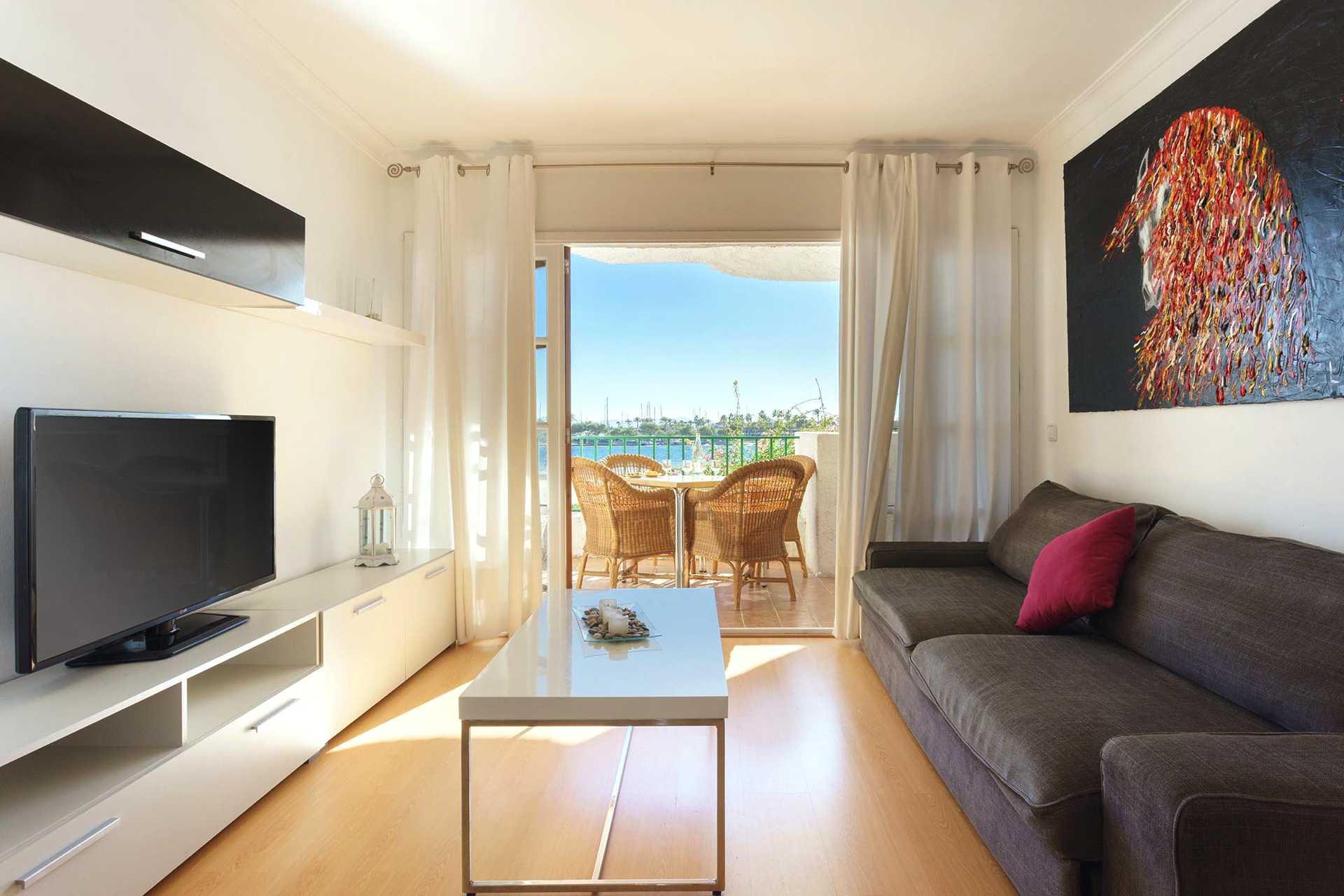 01-292 beachfront apartment Alcudia north Bild 4
