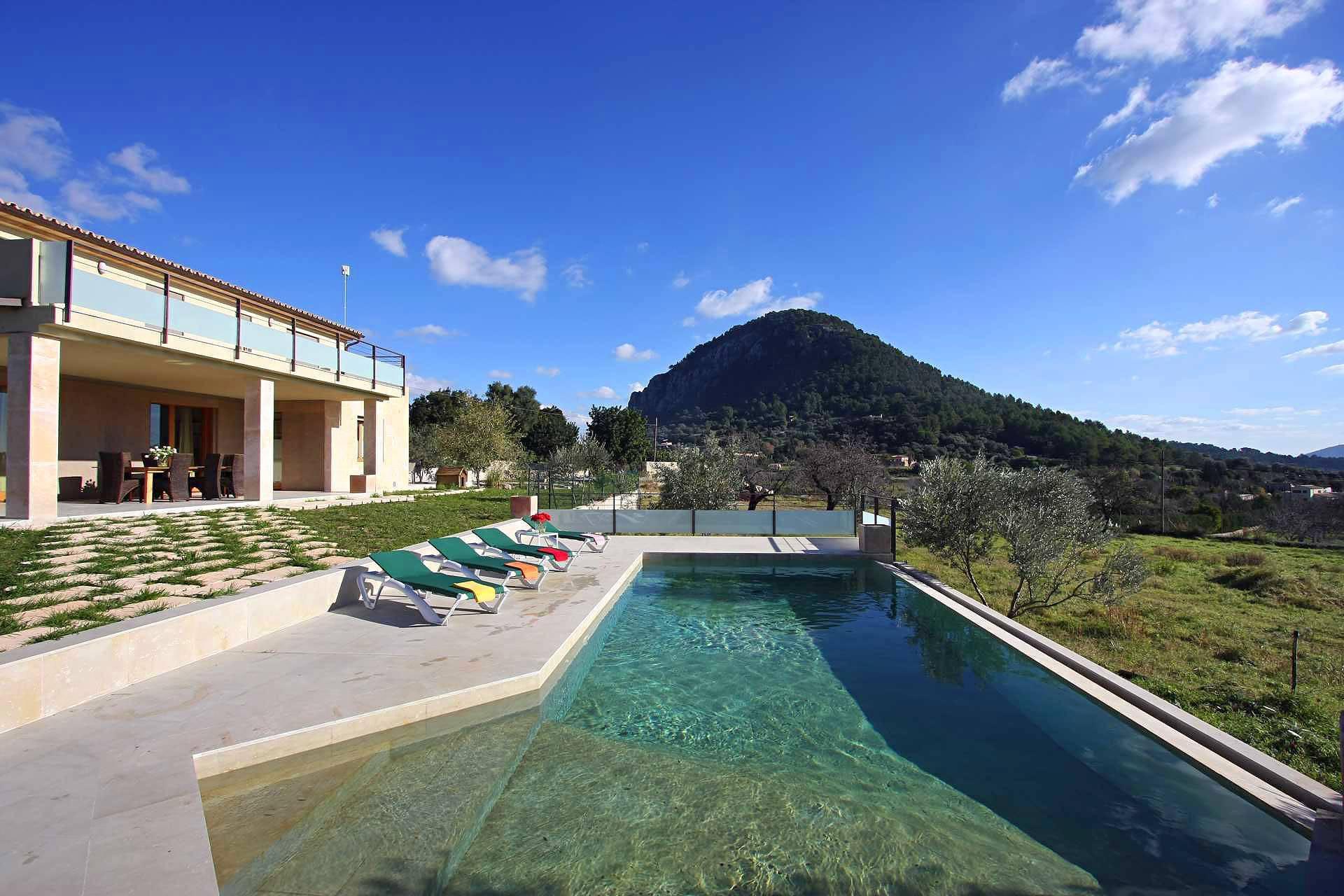 01-36 klassische Villa Mallorca Norden Bild 4