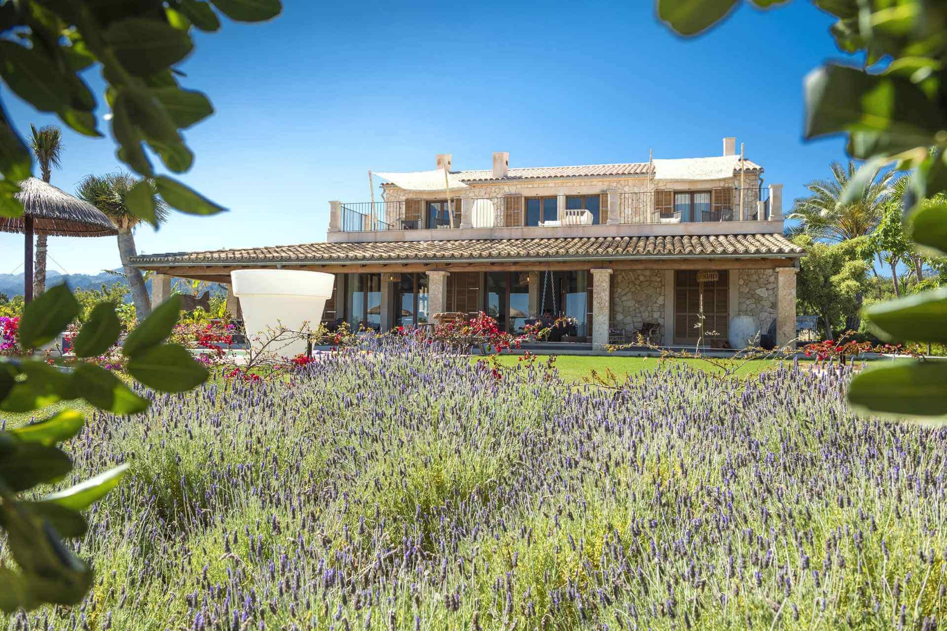 01-354 Luxus Design Finca Mallorca Zentrum Bild 4