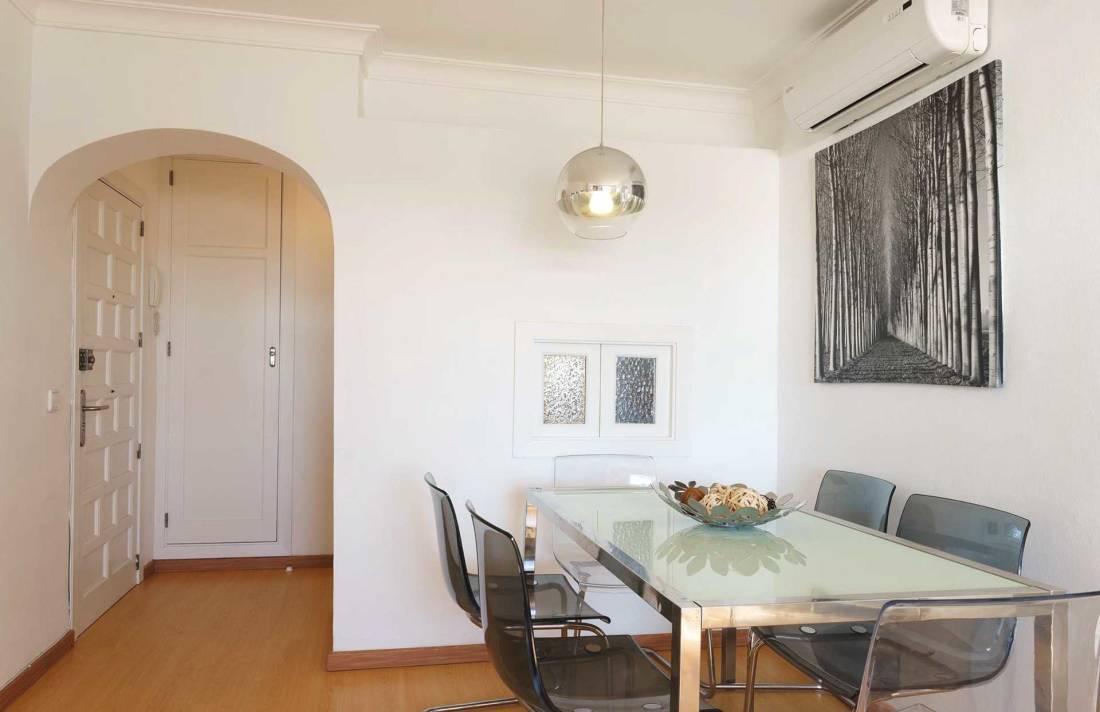 01-292 beachfront apartment Alcudia north Bild 5