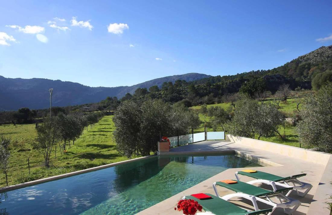 01-36 klassische Villa Mallorca Norden Bild 5
