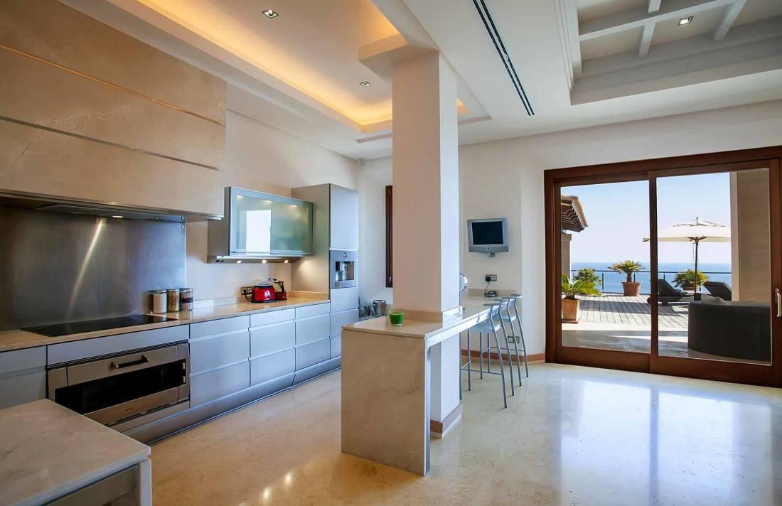 01-268 modern luxury Villa Mallorca southwest Bild 8