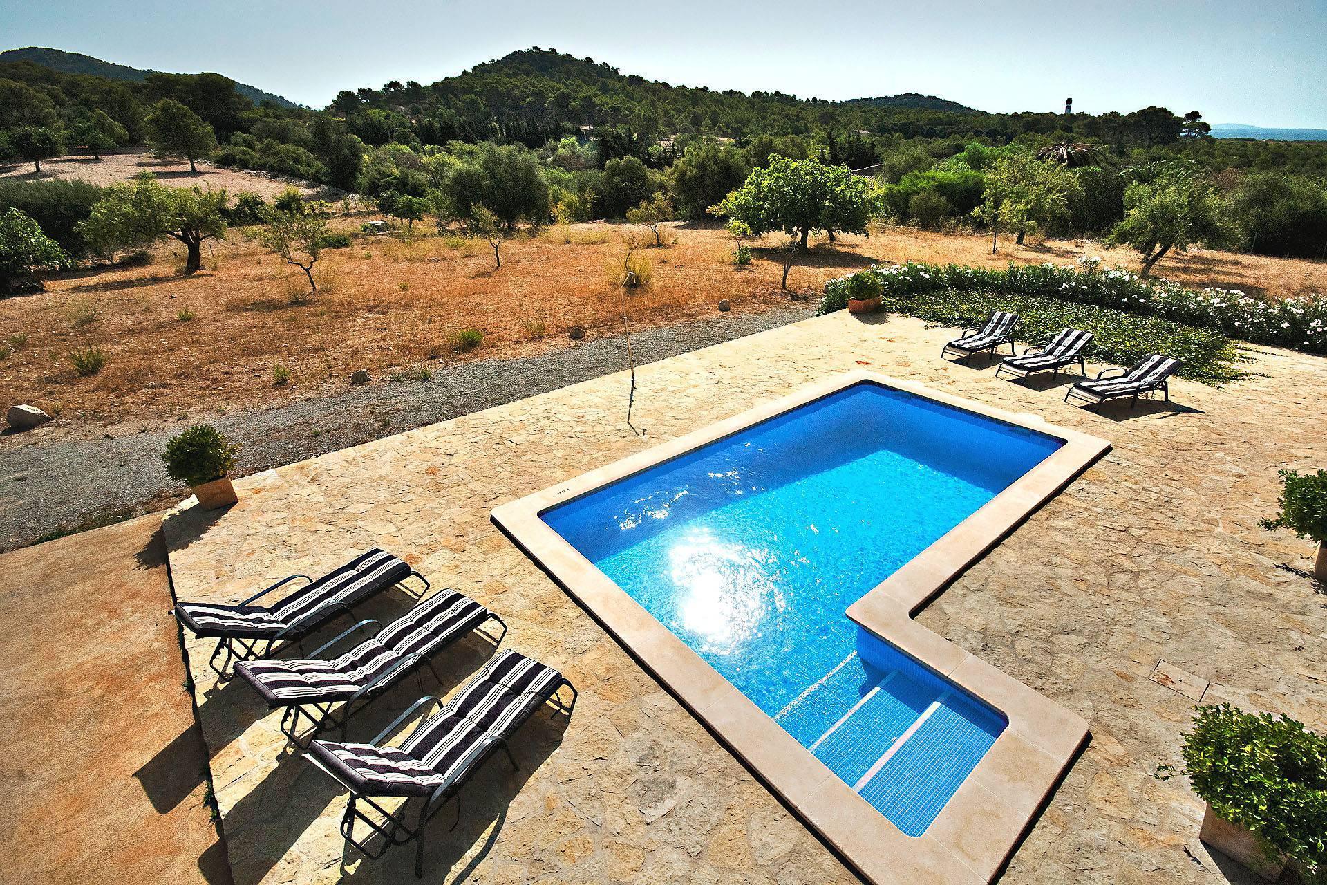 01-220 Finca Mallorca Norden mit Pool Bild 8
