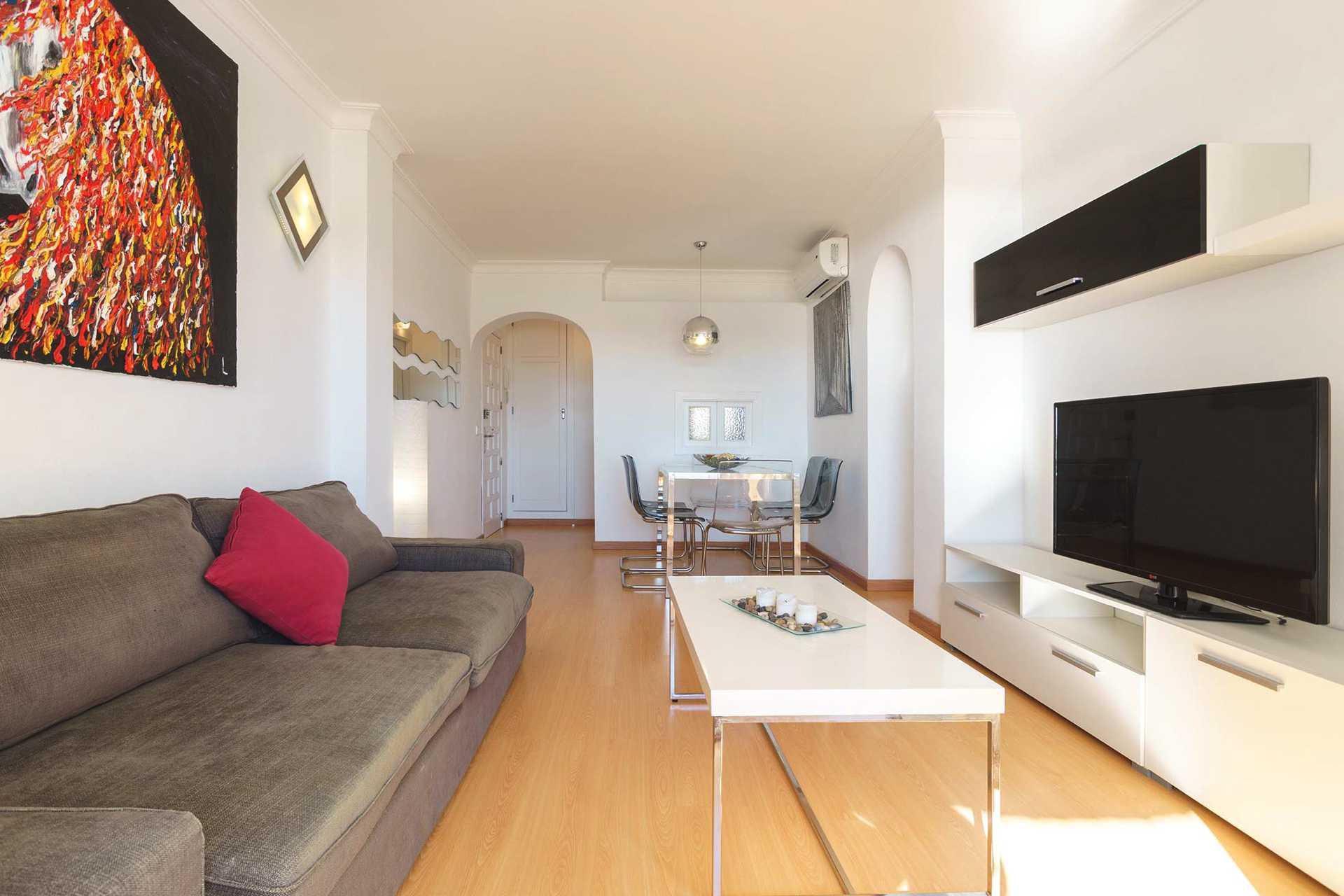 01-292 beachfront apartment Alcudia north Bild 9