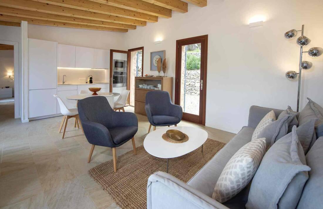 01-339 modern small Finca Mallorca west Bild 9