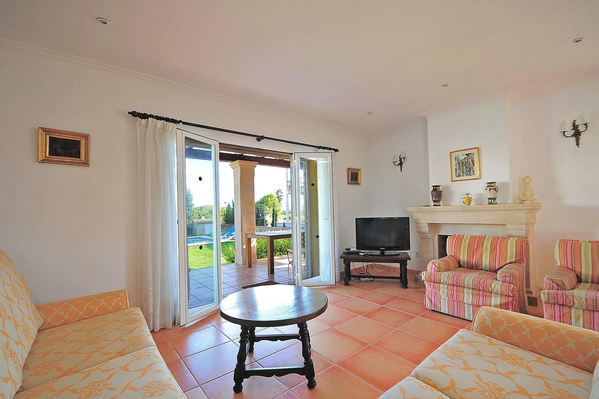 01-233 Ferienhaus am Strand Mallorca Norden Bild 9