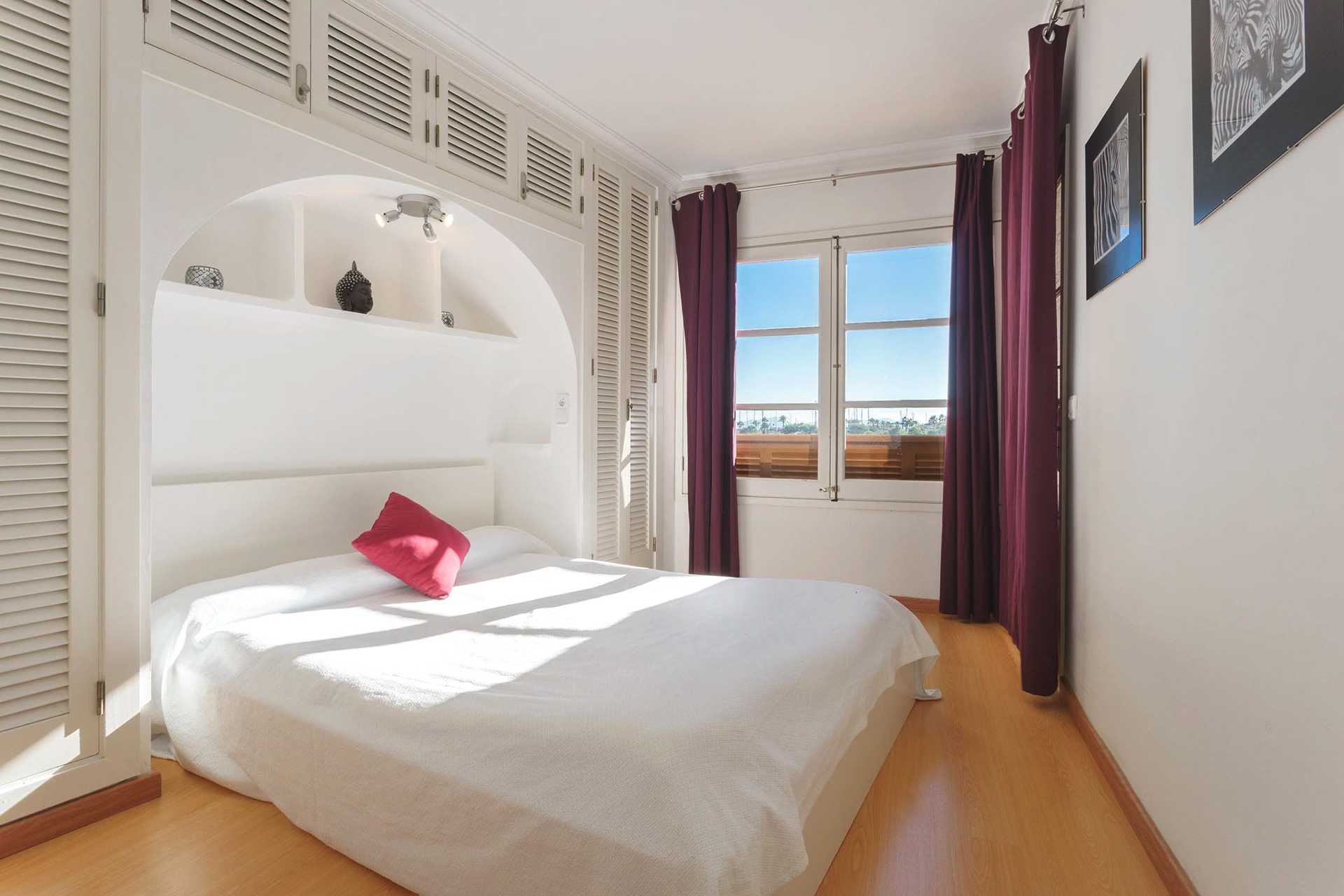 01-292 beachfront apartment Alcudia north Bild 10