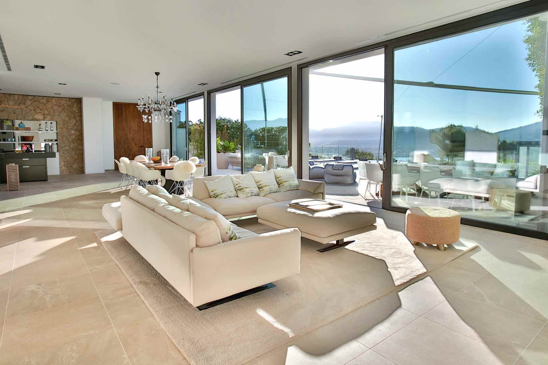01-353 Villa with indoor pool Mallorca Southwest Bild 10
